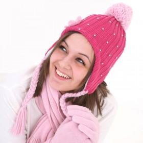 Pink színű, női kötött sapka flitterekkel